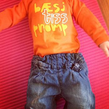 BÆSJEBÆSJ: En deilig barnslig body - perfekt for småen og papsen! :)