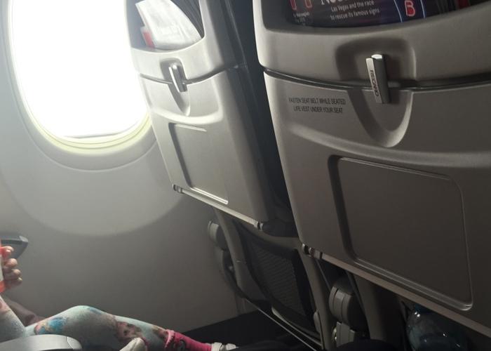 TRANGT: Det er ikke veldig god plass for store folk på disse flyene.