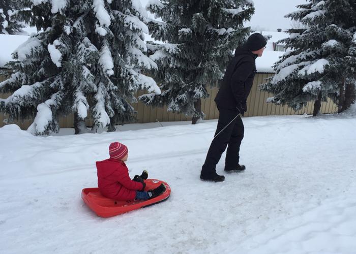 AKEBRETT: Man må benytte sjansen når snøen er her.